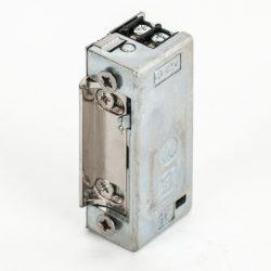 21mm széles, 28 mm mély, normál, állítható,szimetrikus, elektromos zár, előlap nélkül