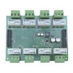 8 relés kártya az STG / OUT16-S modulokhoz csatlakoztatva. Max. 28 relés tábla mindegyik STG / OUT